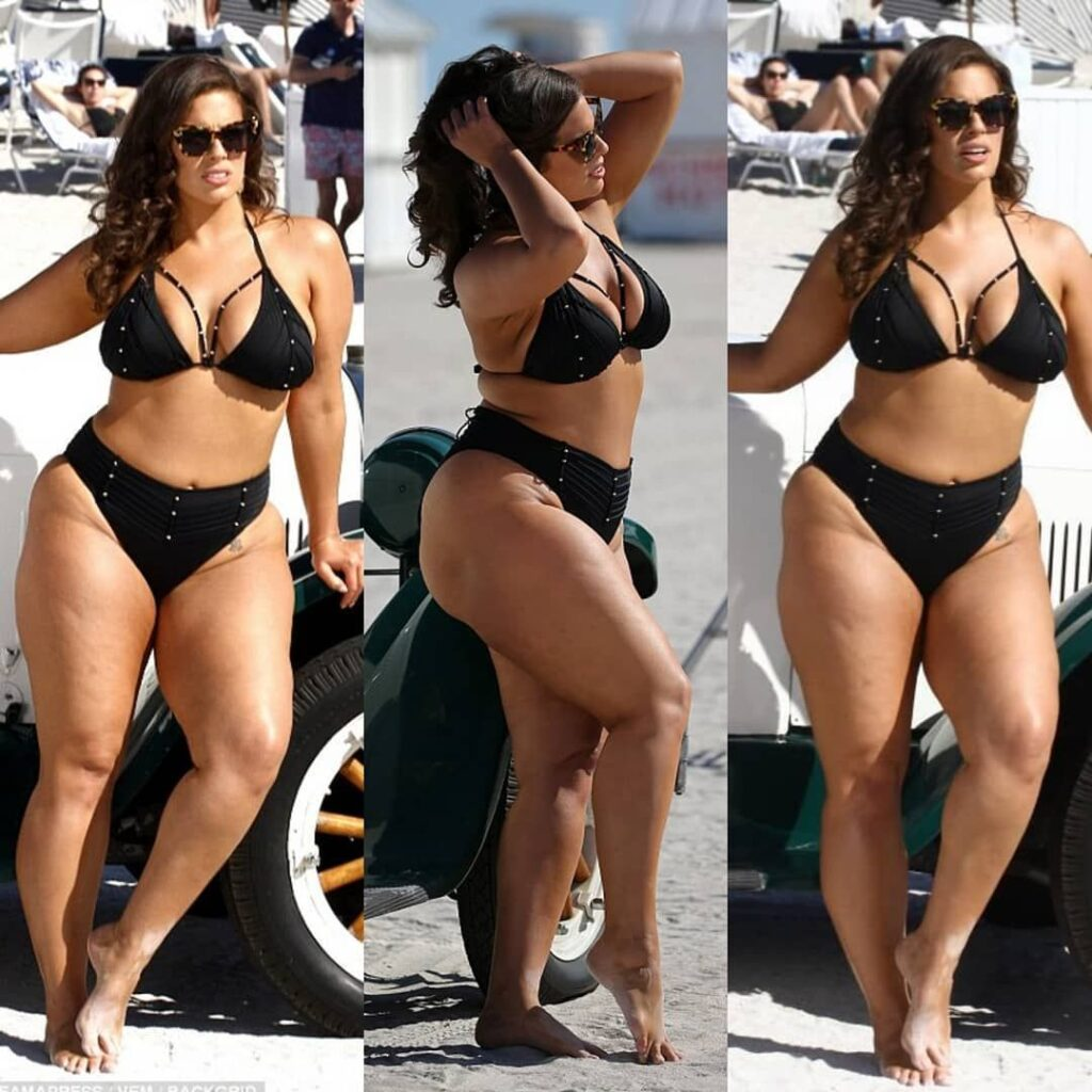 Ashley Graham Sizzling in these pose