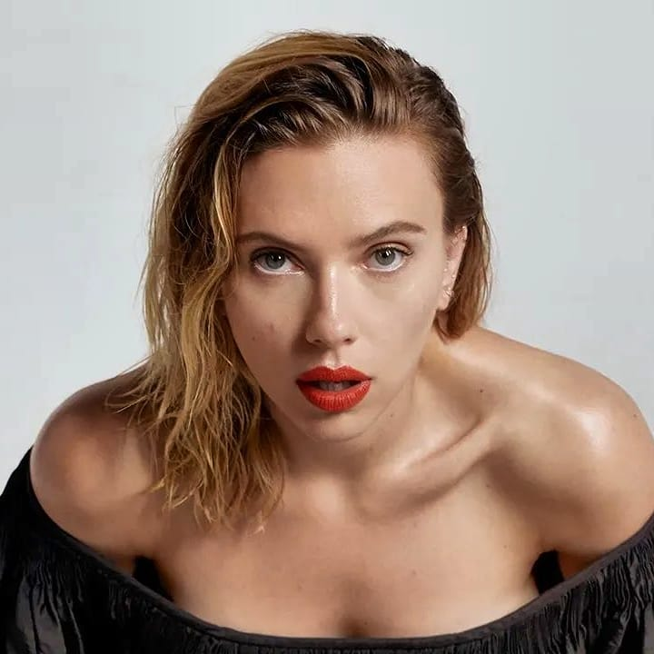 Scarlet Johnson Sexiest Women on Planet Earth
