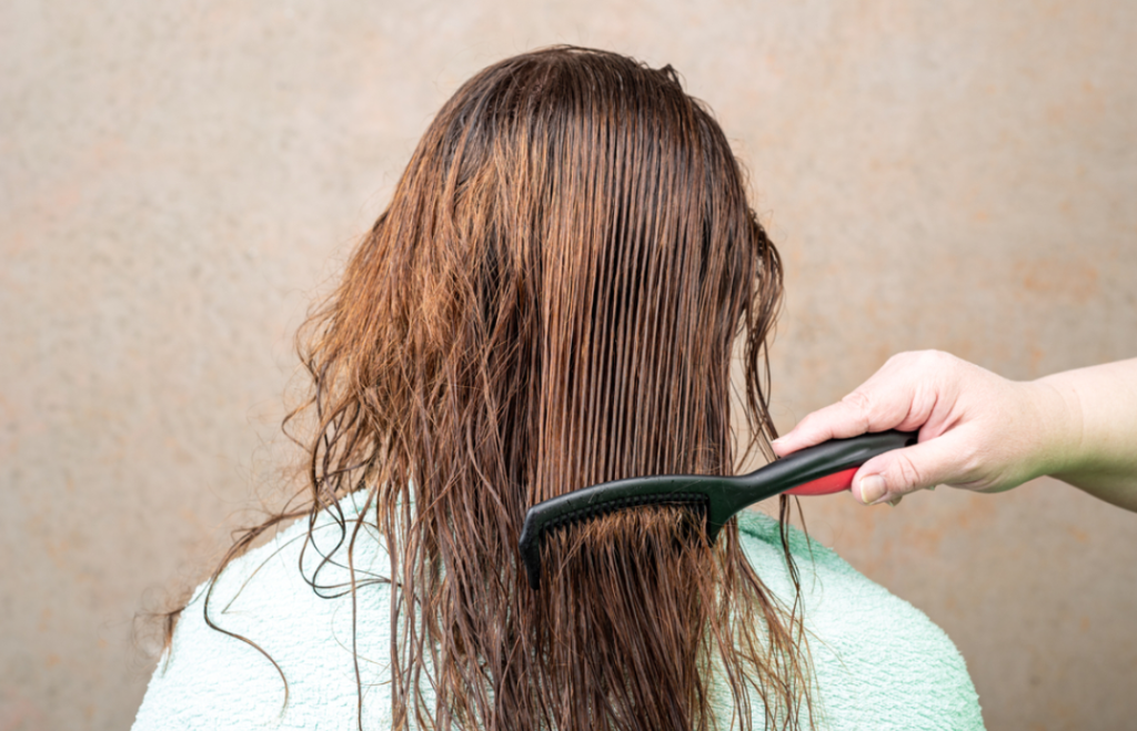 Coloring on wet hair after bleach