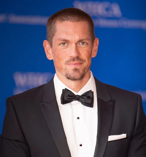 Steve Howey has had a lot of trouble with his weight.