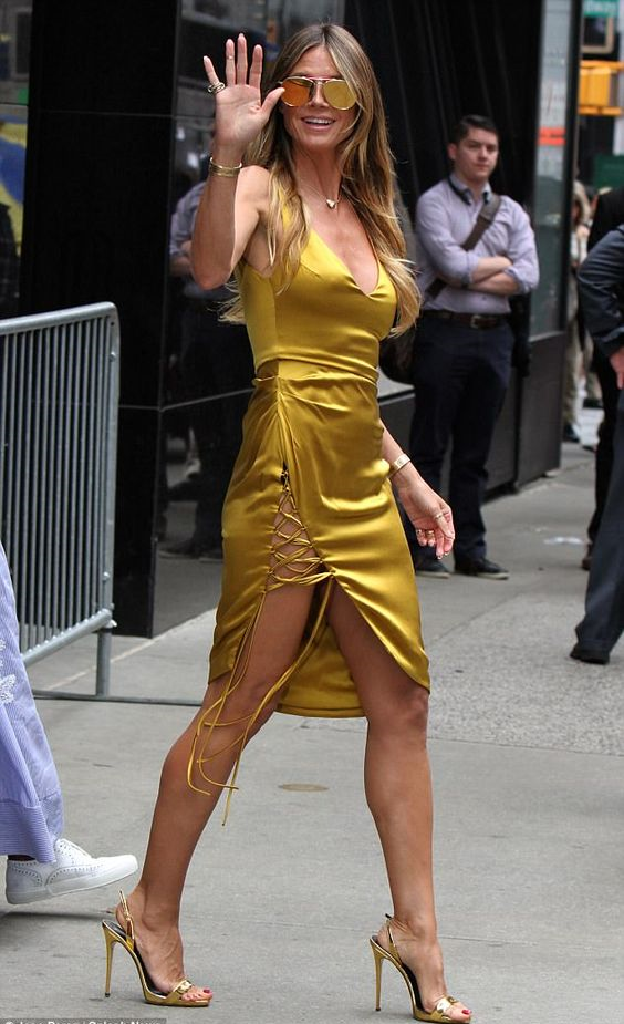 Heidi Klum Modeling